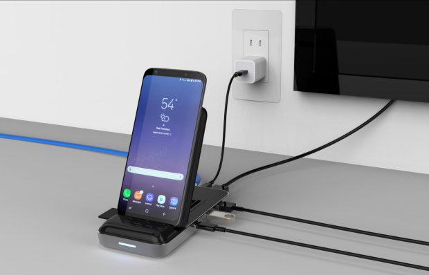 HyperDrive 7.5W Wireless Charger USB-C Hub 4.png