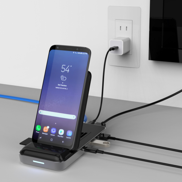 HyperDrive 7.5W Wireless Charger USB-C Hub 1.png